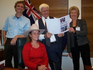 100% Renewable Energy posse with Bob Katter in Canberra. (Photo by 100% Renewable Energy.)