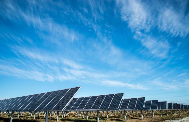 690-MW-solar-panels