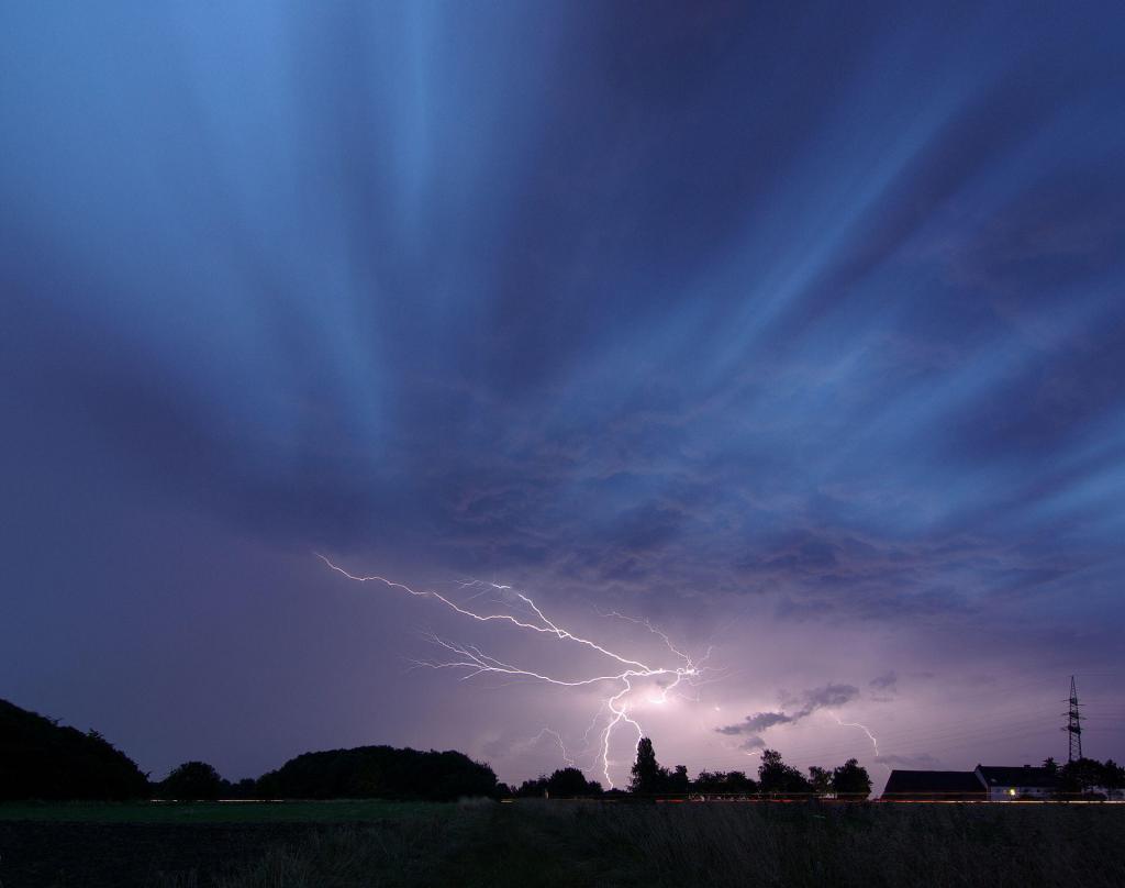 Lightning flash smial wikipedia