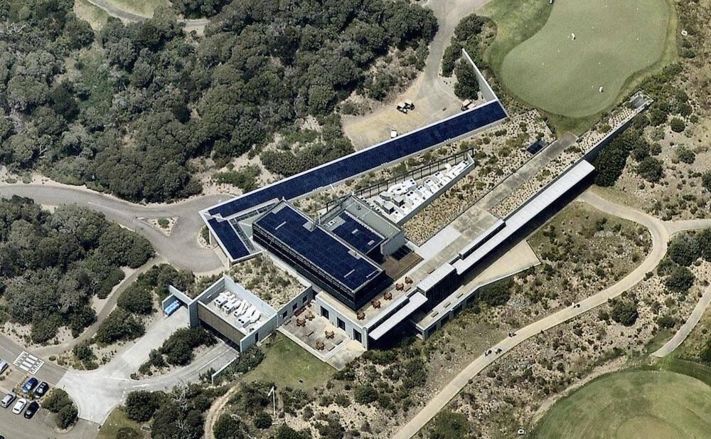 Nat Golf Club 100kW solar array aerial view