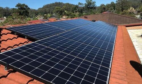 "Post image for Inverter maker SolarEdge adds ""smart panels"" to rooftop offering"