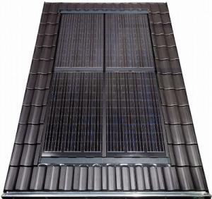 Solarwatt BIPV Easy-In Solar Panels (black) blend seamlessly into a standard roof. (Photo via Solarwatt.)
