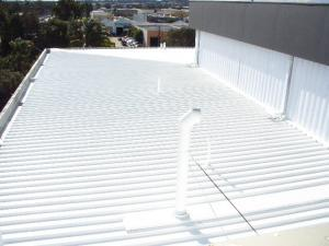 The roof of the Blacktown RSL has been painted white in preparation for the installation of 100kW of Solyndra solar modules.
